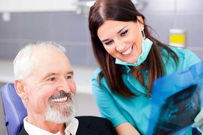 Dental Implants - Juan Carlos Baltazar Angel, DDS, Zona Centro, Tijuana Dentist